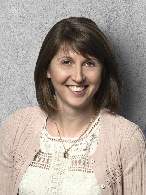 Stefanie Curtis