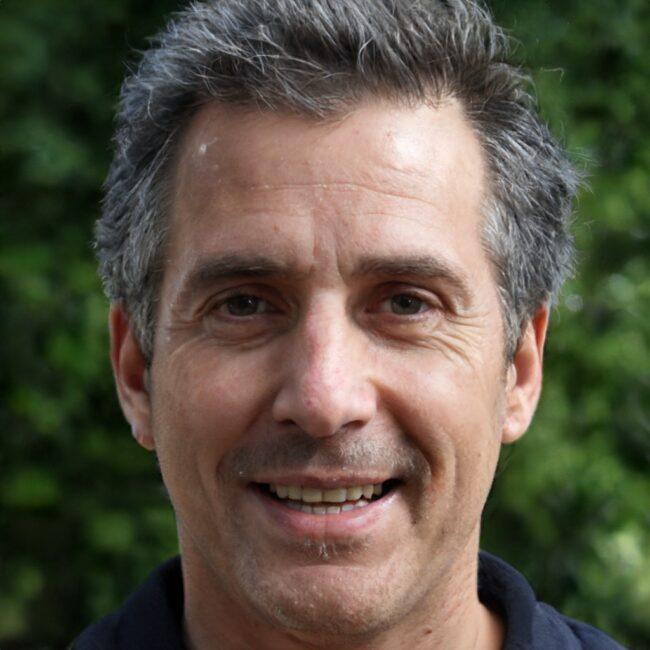 Alex Kleyner, founder and CEO of Store 2 Door
